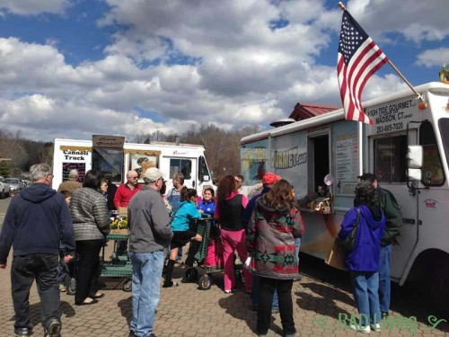 Escape-to-Spring-Food-Trucks2
