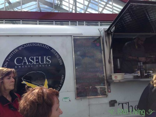Escape-to-Spring-Food-Trucks5
